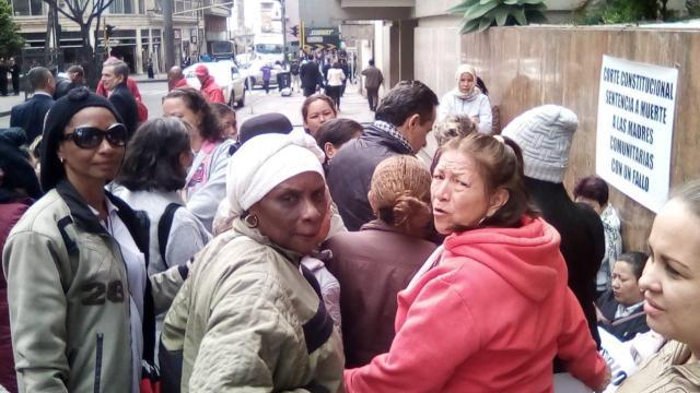Madres comunitarias en huelga3